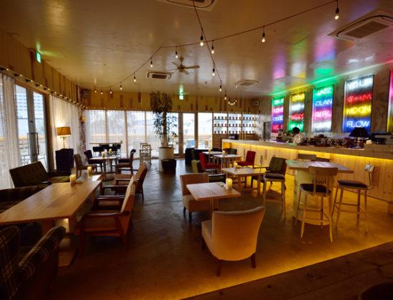J Cafe and Bar Motel